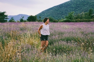Me posing in a lavender field... next step is teaching Jeroen how to focus a camera, haha